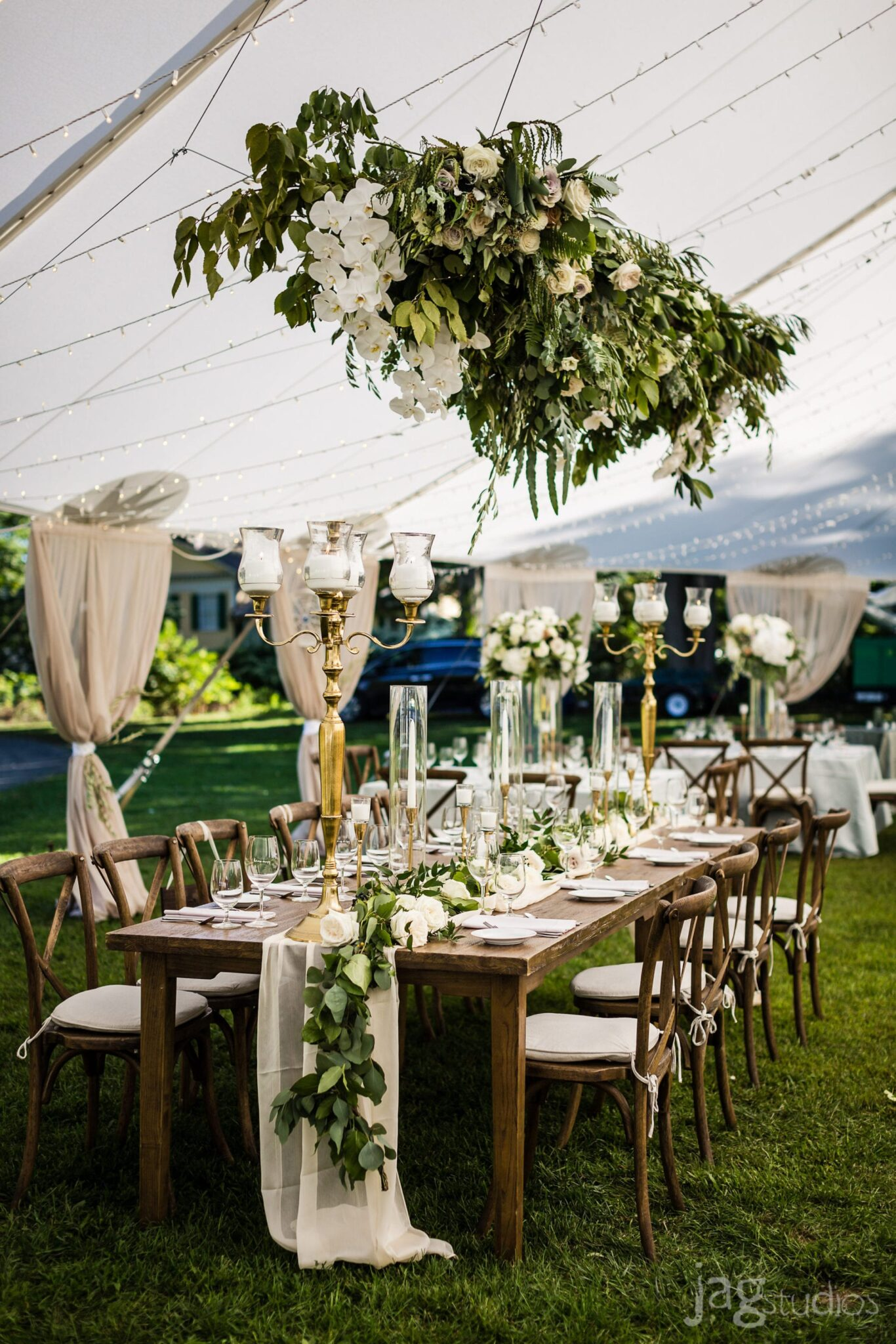 hanging-floral-jaclyn-watson-events-ct-wedding