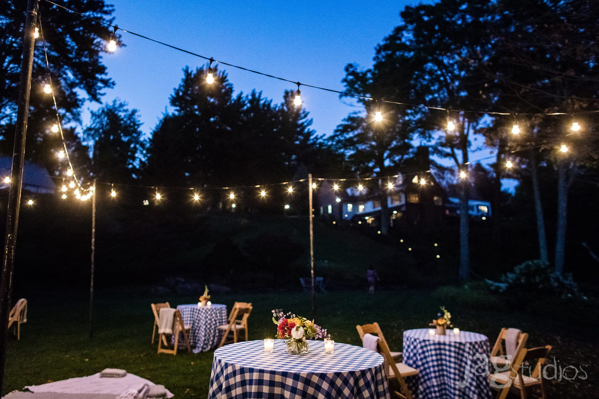 Edson Hill Stowe VT Jaclyn Watson Events Picnic Themed Wedding
